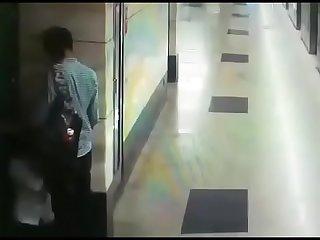 caught in footage  mauke pe chowka