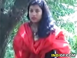 Desi bitch shows her big natural tits in the forest before I took her home and gives me a blowjob