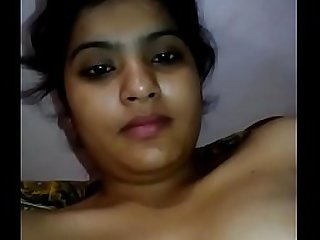 Desi housewife show her pussy