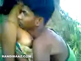 Desi outdoor sex tape