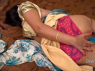 Desi Richa Bhabhi Nude Show With Clear Hindi Audio