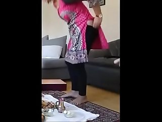 neighbour sexy aunty pany getting down from butt